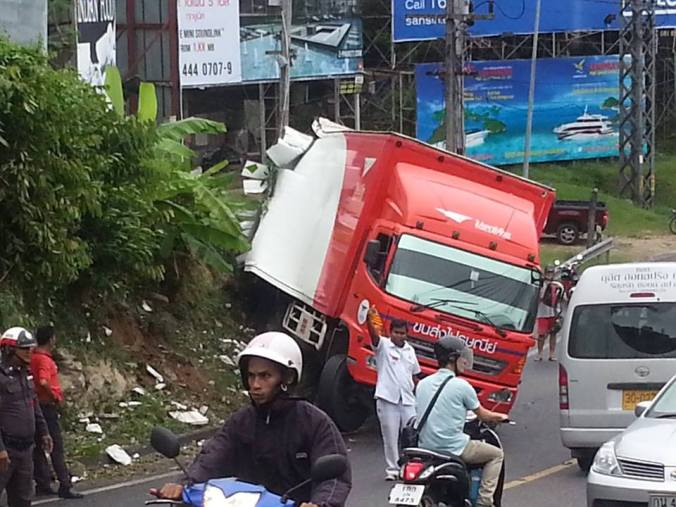 Thai Post truck crash on 'Suicide Hill' between Patong and Kathu, Phuket